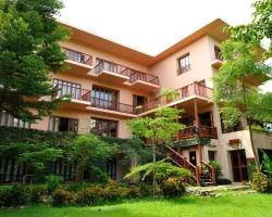 Riverhouse Resort