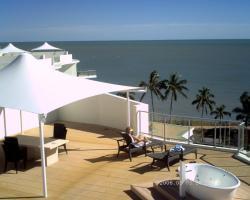 Hervey Bay Oceanfront Penthouse