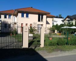 Keresztes Apartmanház Balatonlelle
