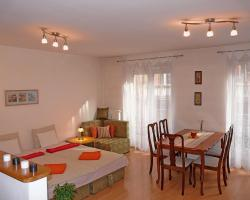 Raday Central Apartment