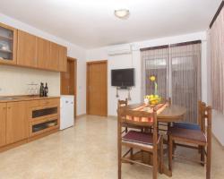 Apartments Novalja Escape