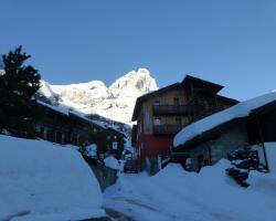 Hosquet Lodge