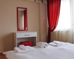 Roncalli Suites