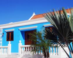 Blue Cunucu Villa With Pool