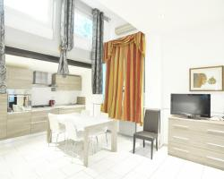 New Venice Apartments