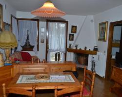 Dolomiti Appartamento Dolomites Apartment