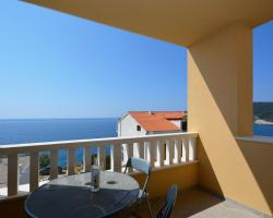 Apartments Punta Milna