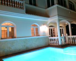 Villa Monroe-By Cocoon Deluxe
