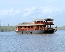 Raviz Mahayana - Premium House Boat