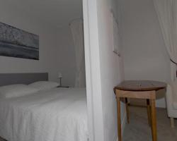 One Bedroom Apartment - rue des Martyrs - 314
