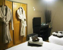 Urban Cottage Bed and Breakfast & Spa