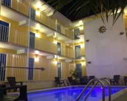 Seaside Inn & Suites