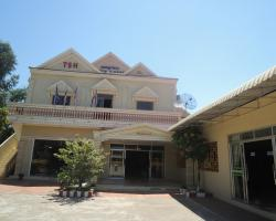 Tonle Sap Hotel and Restaurant