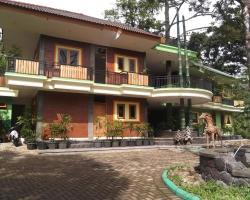Fresh Green Hotel & Kebun Fresh Green