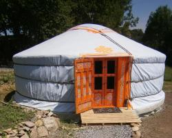 Campement de Yourtes Mariposa