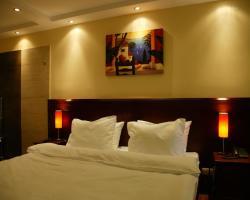 Garni Hotel Contact