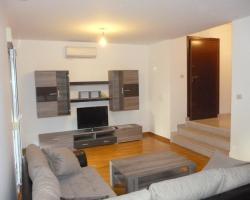 Apartments Šarac