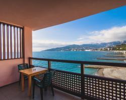 Divo Guest House near sea