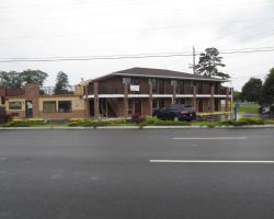 Brick Motor Inn