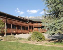 Corral Creek Lodge