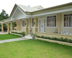 5-Bedroom Home in Ecoland