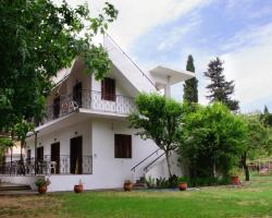 Drivas Apartments