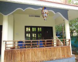 Cliff Lounge Guesthouse with Ayurvedic Centre