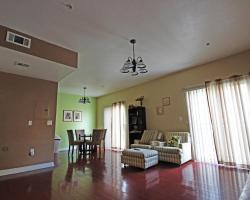 Economy Two Bedroom Townhomes - Vanowen 6