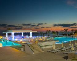 King Evelthon Beach Hotel & Resort