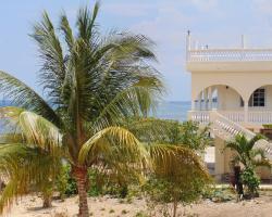 Runaway Bay Beach House