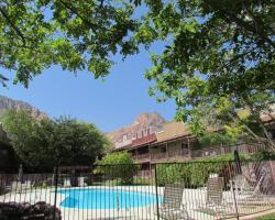 Bonnie Springs Motel and Resort