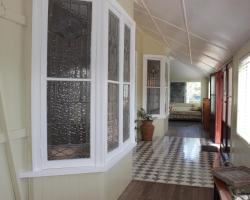Traditional Queenslander Family Stay