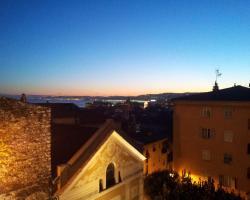 Rare Sea View Apartment, Vieux Nice