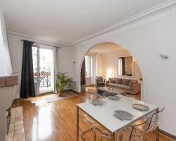 Pick a Flat - Canal Saint Martin / Yves Toudic apartment