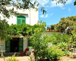 Seafront Apartments Gardenhouse