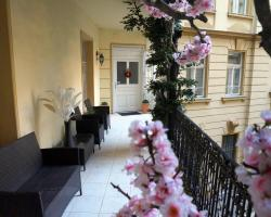 Artoral Rooms and Apartment Budapest