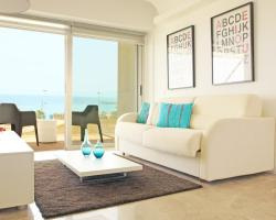 Green Bay Seafront Apartment