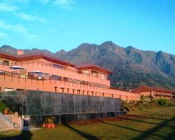 Vivanta by Taj Dal View