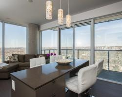 Veeds Private Suites - Peter Street Toronto