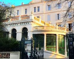 Apartments Alexandre III