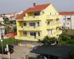 Apartments Sestan