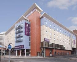 Premier Inn Sheffield City Centre - Angel St