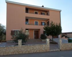 Apartments Luana