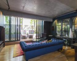 Parisian Lane - A Luxico Holiday Home