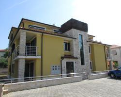 Apartments Leila