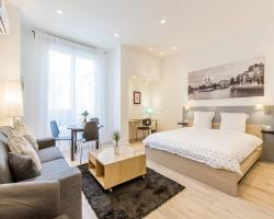Apartment in Champs Elysees