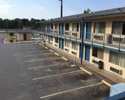 Super 7 Inn Little Rock
