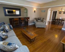 WeHo Vintage Apartment Rental #7