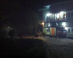 Hotel Amaara Lake
