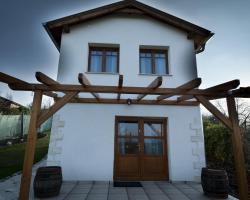 Bike & Wine Cottage